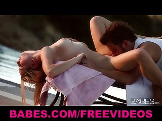 Sunset Blond Strips Out Of Her Bikini & Gives Her Man A Lay