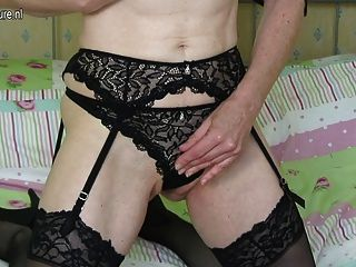 Horny Skinny British Mom Gets Naughty