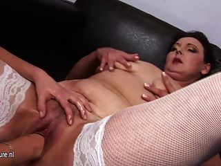 Old Mature Slut Gets A Fist In Her Pussy