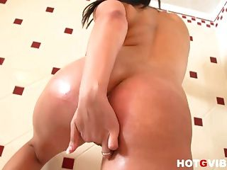 Eve Diamond Sensational Squirting In Shower