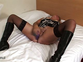 Mature Mother Anni Loves Sucking Cock