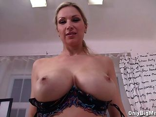 Carol Goldnerova Dildo Fun