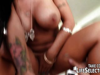 Sandy Sucking Off A Gardener Interactive Pov Fuck
