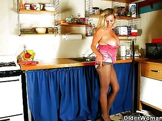 Cleaning The Kitchen In Pantyhose Gets Mom Worked Up