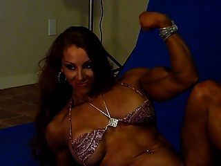 Sexy Muscle Goddess In Studio 4