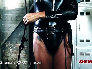 Transtastic Honey Foxxx Fucked!