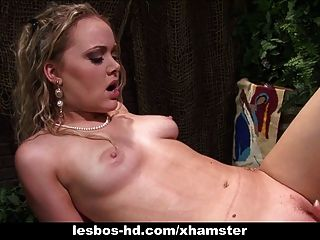 Amber Peach And Frankie Are Old-timey Lesbo Hotties