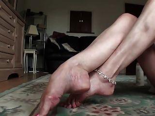 Milf Cream And Tease Feet