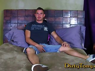 Hot Muscle-twink Gets Dirty
