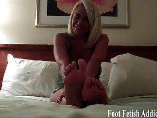 You Like My Little Pink Toes And Feet