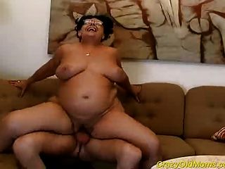 Crazy Old Mom Gets Big Cock Fucked And Cumshot On Tits