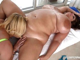 Sexy Busty Bbw Lesbians Lick Each Others Clits And Tits