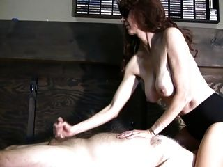 Facestitting Handjob With Huge Cumblast