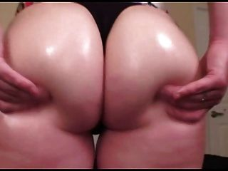 Pawg Rubbing Her Ass
