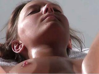 Clover Massage