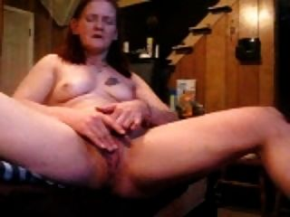 Mature Plays On Cam