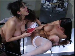 Summer Cummings Nurse Lesbian Toying