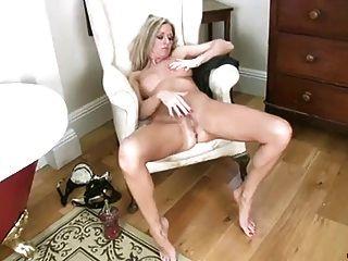 Mature Louise Dakotah Solo Masturbation