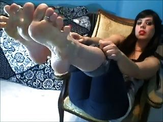 Miss Leah Hot Red Toes Super Wide Wrinkled Toes