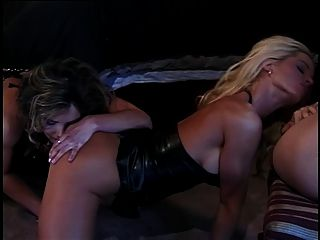 Slut Eating Cunt While Gets Fucked From Behind