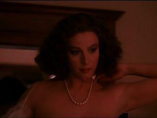 Stefania Sandrelli - Una Donna Allo Specchio