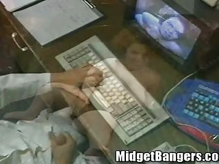Midget Cybersex Fantasy Becomes Reality