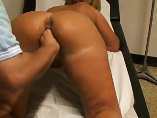 Such A Horny Mature 2 , She Enjoy Gettin Her Pussy Fisted