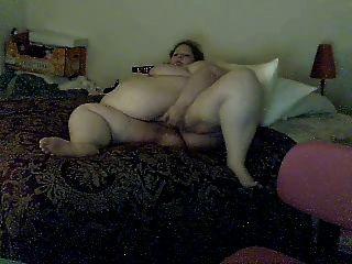 Fat Girl Cumming On Cam