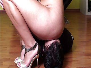 Mistress Facesitting Her Slave