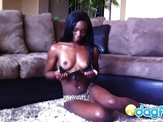 Gorgeous Ebony Ana Masturbating Cam Session
