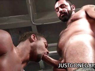 Muscle Black Dude Fucks White Guy