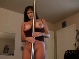 Hot Mature Cougar Dances Before Smoking Bj
