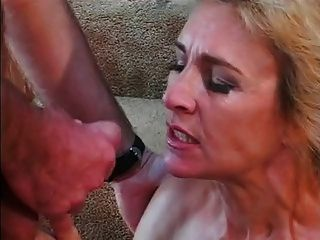 All Guys Want To Fuck This Mom & Lick Her Cunt