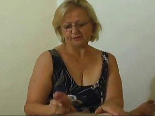 Granny Handjob #1 (happy Ending)