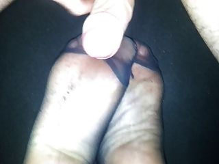 Cum On Nylon Feet