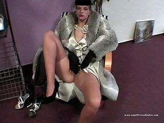 Sexy Styling Lady Fucked In Full Dress
