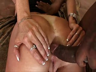 Darla Spreads Her Old Overripe Ass And Gets Anal Screwed