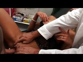 Kommt Ne Frau Beim Arzt 13