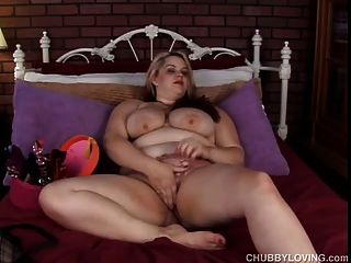 Beautiful Bbw Has Great Big Tits And A Fat Wet Pussy