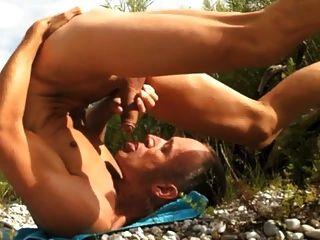 Outdoor Selfsuck