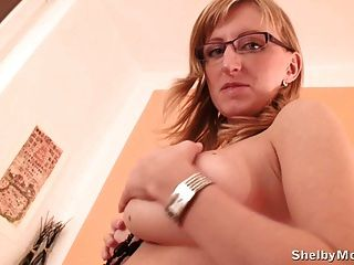 Shelby Moon Shows Her Mega Naturals