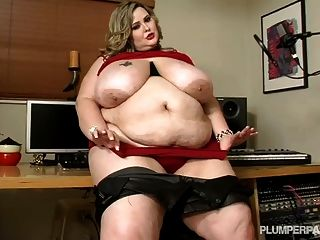 Big belly ssbbw facesitting and smothering