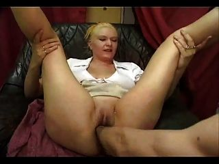 Moms shows fuck boyfriend