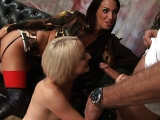 British Slut Farrah In A Foursome