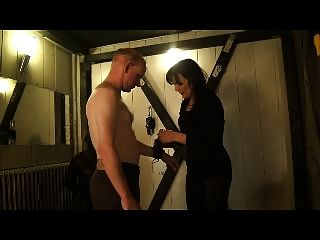 Hard Faceslapping From A German Mistress