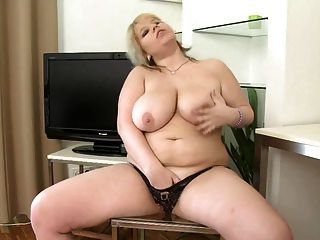 Chubby Girl Toys Her Hot Pussy