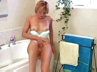 Amazing Milf Housewife Masturbation.com