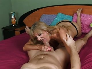 Hardcore Lingerie Mom In Heels Fucks