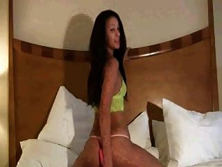 Linda cardellini bikini blogspot