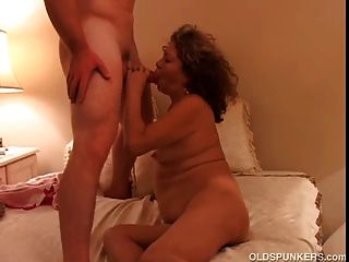 Pretty Mature Amateur Loves To Fuck